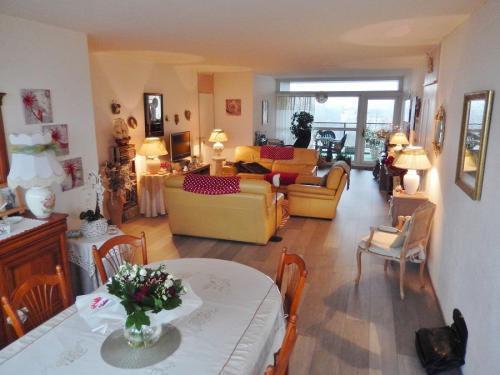 appartement en vente limite mouvaux 135 000. Black Bedroom Furniture Sets. Home Design Ideas