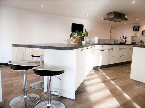 appartement en vente limite mouvaux 229 000. Black Bedroom Furniture Sets. Home Design Ideas